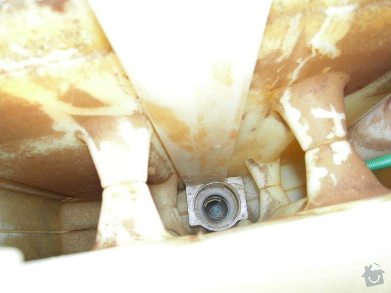 Oprava vestavěného splachovadla: SDC11265