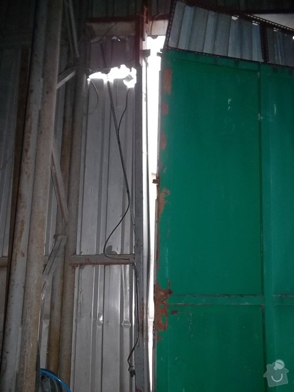 Plechová vrata na výrobní hale: SAM_1791