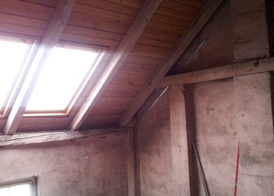 Montáže sádrokartonu, rekonstrukce podkroví, suché podlahy s podsypem Fermacell,výměna střešního okna, montáž poudra Eclisse pro posuvné dveře do SDK příčky.