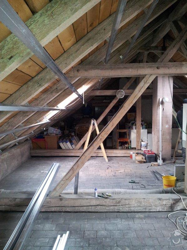 Montáže sádrokartonu, rekonstrukce podkroví, suché podlahy s podsypem Fermacell,výměna střešního okna, montáž poudra Eclisse pro posuvné dveře do SDK příčky.: Podkrovi_5
