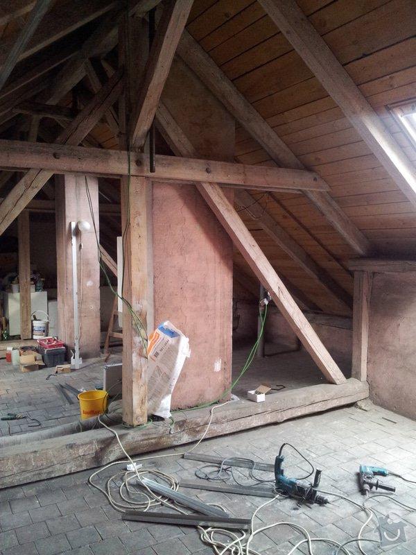 Montáže sádrokartonu, rekonstrukce podkroví, suché podlahy s podsypem Fermacell,výměna střešního okna, montáž poudra Eclisse pro posuvné dveře do SDK příčky.: Podkrovi_6