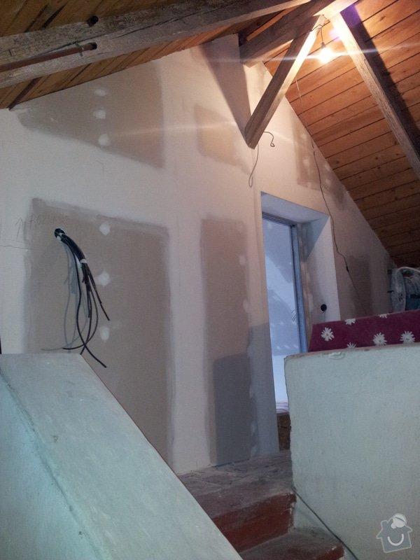 Montáže sádrokartonu, rekonstrukce podkroví, suché podlahy s podsypem Fermacell,výměna střešního okna, montáž poudra Eclisse pro posuvné dveře do SDK příčky.: Podkrovi_0