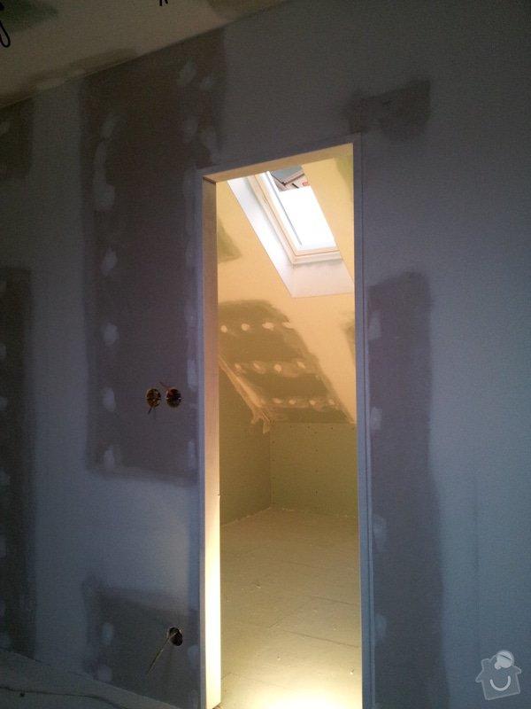 Montáže sádrokartonu, rekonstrukce podkroví, suché podlahy s podsypem Fermacell,výměna střešního okna, montáž poudra Eclisse pro posuvné dveře do SDK příčky.: Koupelna_WC_1