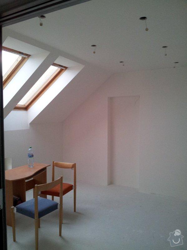 Montáže sádrokartonu, rekonstrukce podkroví, suché podlahy s podsypem Fermacell,výměna střešního okna, montáž poudra Eclisse pro posuvné dveře do SDK příčky.: Podkrovi_111