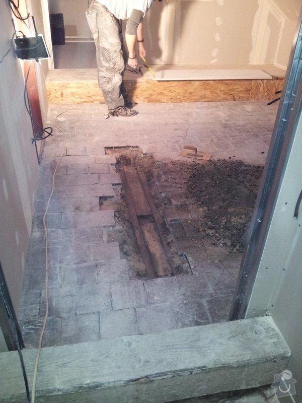 Montáže sádrokartonu, rekonstrukce podkroví, suché podlahy s podsypem Fermacell,výměna střešního okna, montáž poudra Eclisse pro posuvné dveře do SDK příčky.: 20121129_090135