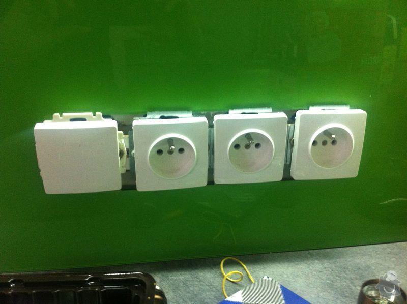 Opravení elektrických zásuvek.: IMG_1569
