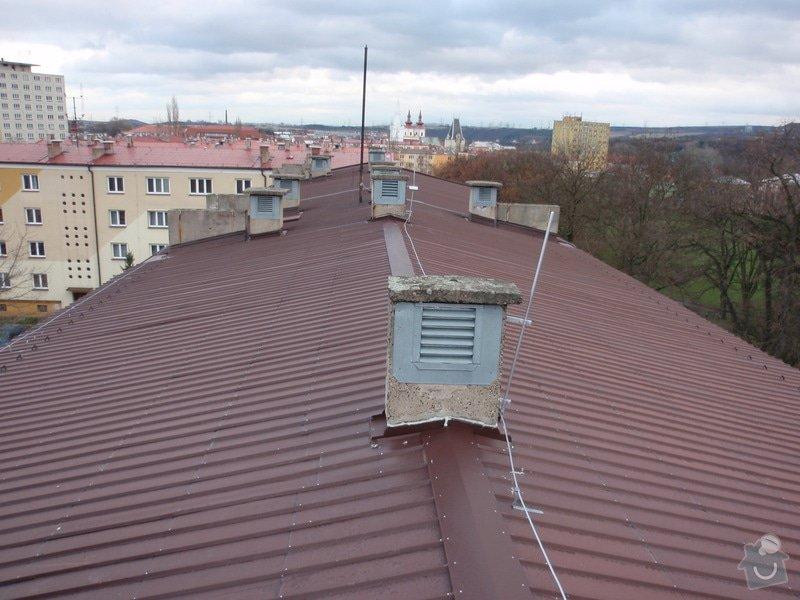 Oprava komínů na panelovém domě: jan_rubek_kleizol_kadan_budovatelu_2011_klempirstvi_pokryvacstvi_04