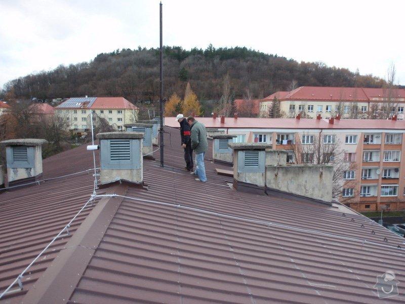 Oprava komínů na panelovém domě: jan_rubek_kleizol_kadan_budovatelu_2011_klempirstvi_pokryvacstvi_10