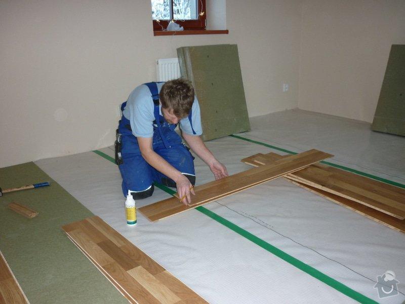 Položení dřevěné plovoucí podlahy: P1050346