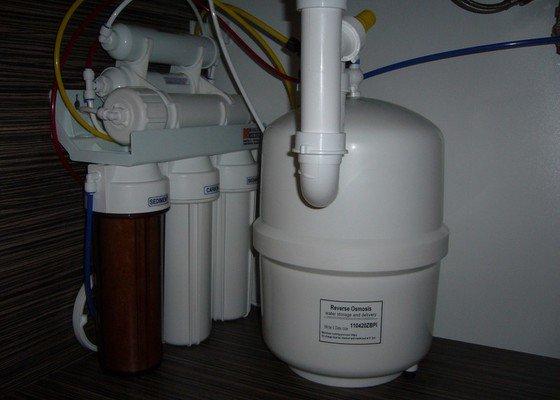 Kuchyňský filtr na vodu - Reverzní osmóza s mineralizátorem.