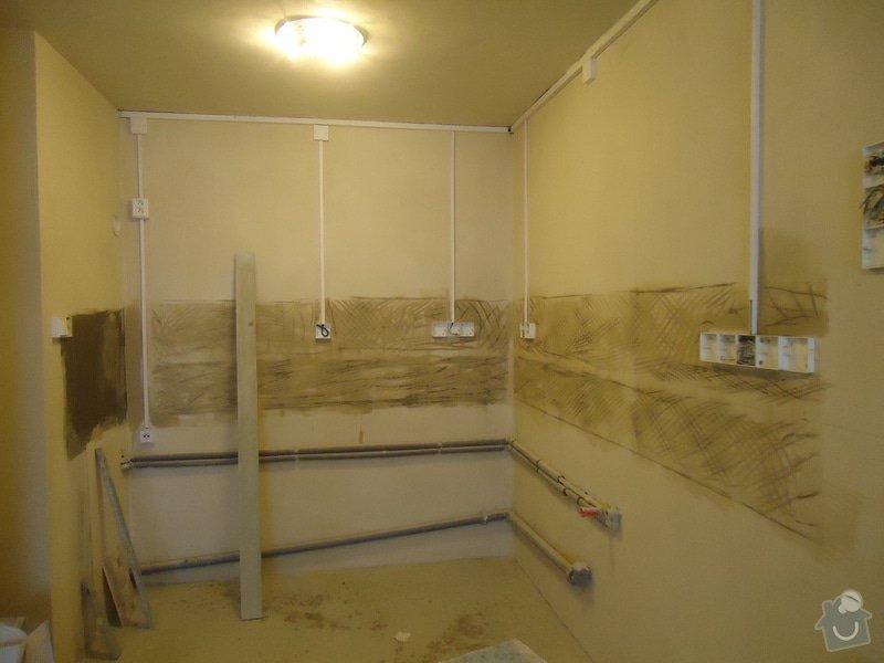 Obklad+dlažba wc a koupelna + dlažba v předsíni: 09