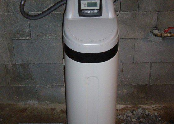Změkčovací filtr na vodu