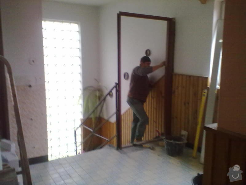 Odstranění části zábradlí,zazdění dveří,vyzdění příčky,: 17112011018