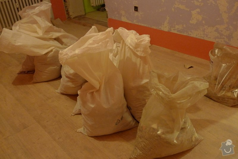 Odvoz materiálu z rekonstrukce bytu: P1130752