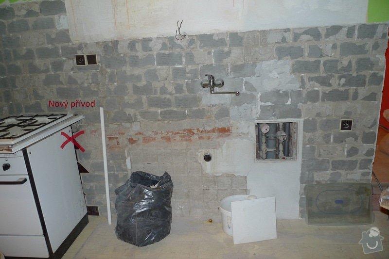 Přesunutí přívodu vody a odpadu v kuchyni: voda-kuchyn