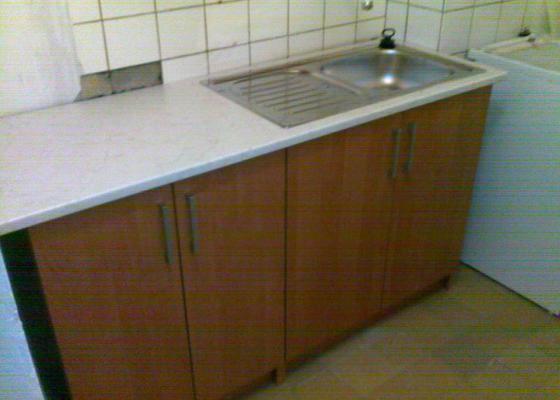 Montáž skříně a kuchyně.