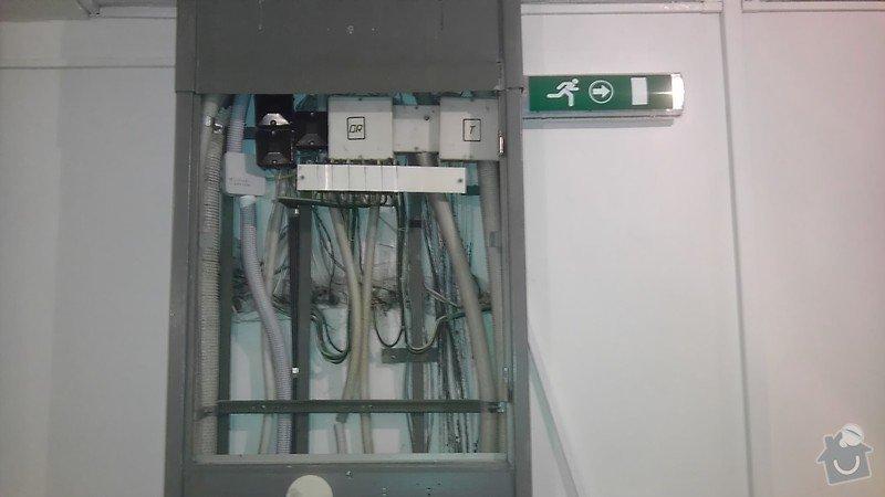 Výměna světel ve schodišťovém prostoru: IMAG1186