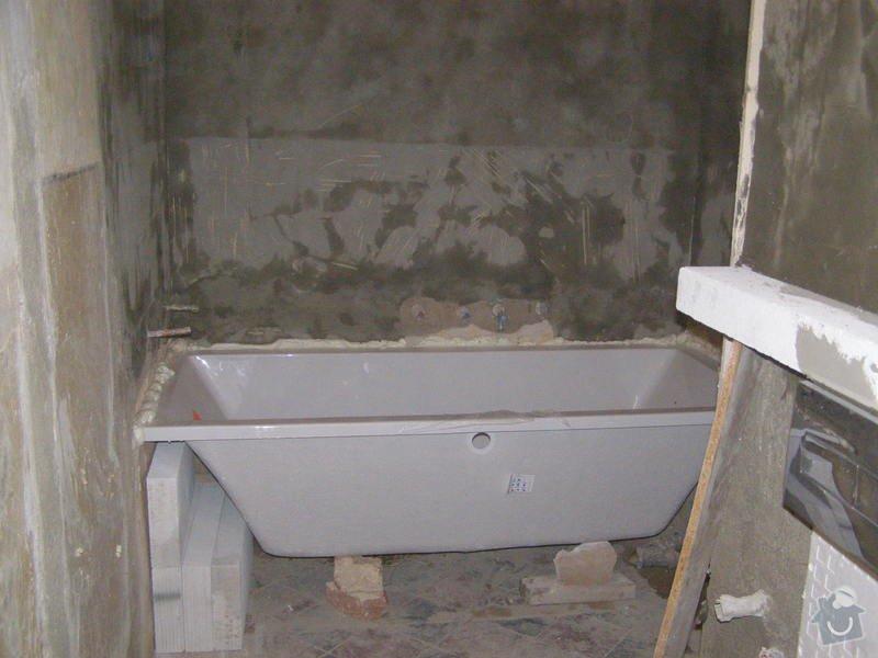 Rekonstrukce bytu,obklady,renovace parket,pokládka plovoucí podlahy aj.: koupelna_-usazeni_vany