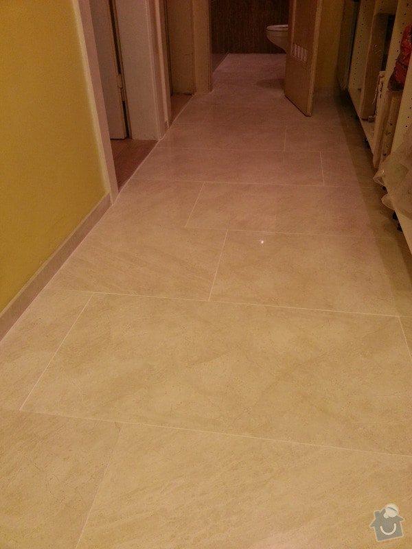 Rekonstrukce bytu,obklady,renovace parket,pokládka plovoucí podlahy aj.: mramorova_podlaha-chodba