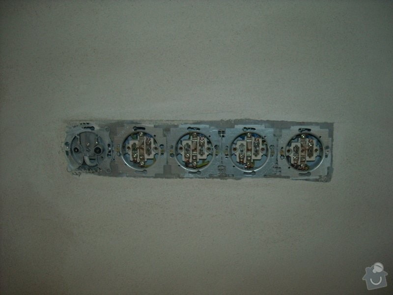Kompletace elektřiny: DSCN4947
