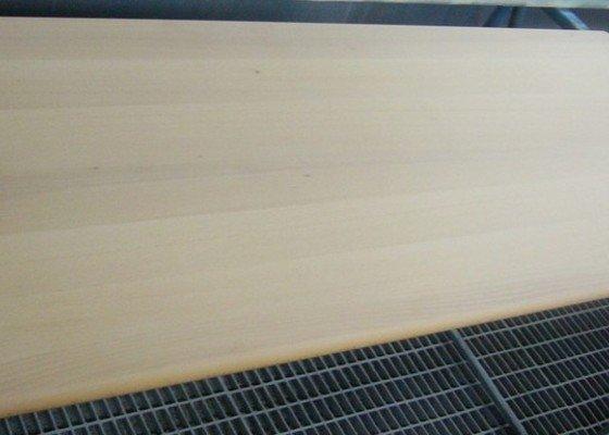 Lakování (nástřik, stříkání) bukového dřeva do vysokého lesku