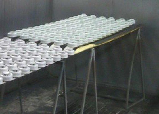 Lakování (nástřik, stříkání) plastových dílů