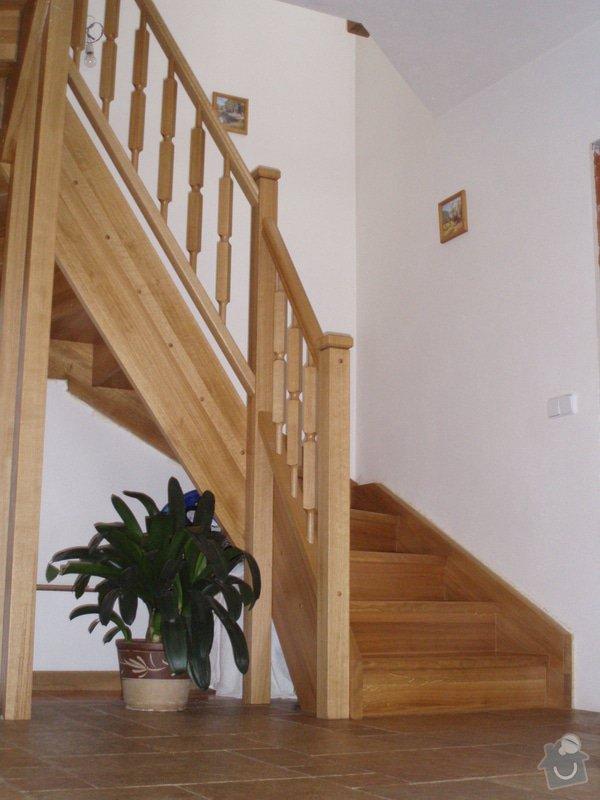 Dřevěné schodiště: P4180639
