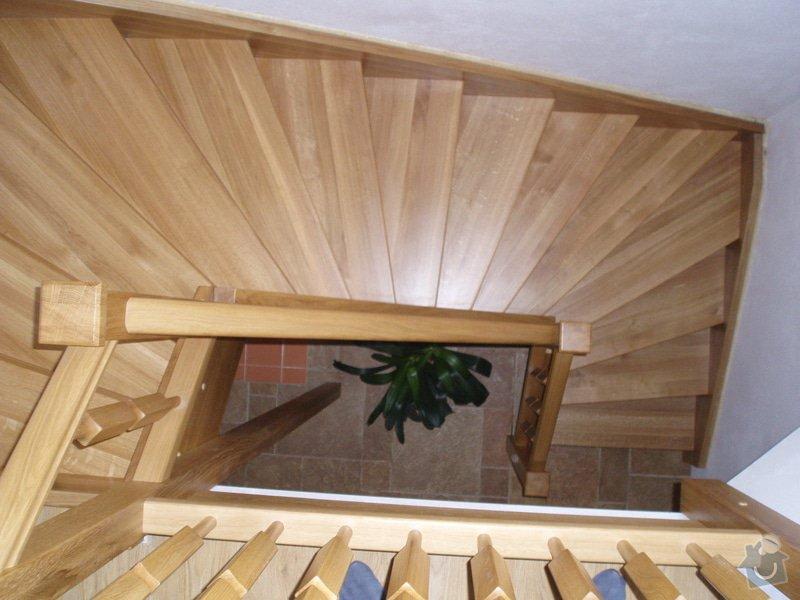 Dřevěné schodiště: 10