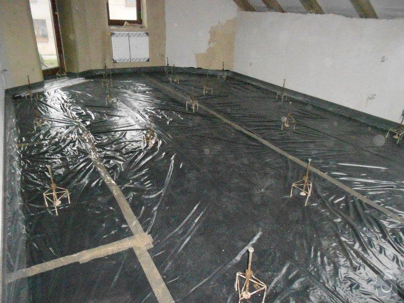 11/2012 RD Brodek u Prostějova, anhydritová podlaha  -  230 m2: DSCN8190