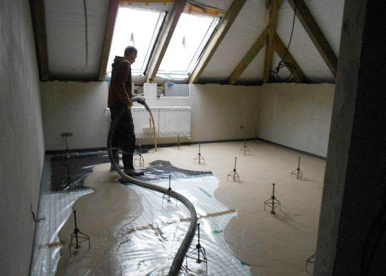 11/2012 RD Brodek u Prostějova, anhydritová podlaha  -  230 m2