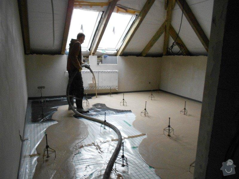 11/2012 RD Brodek u Prostějova, anhydritová podlaha  -  230 m2: DSCN8202
