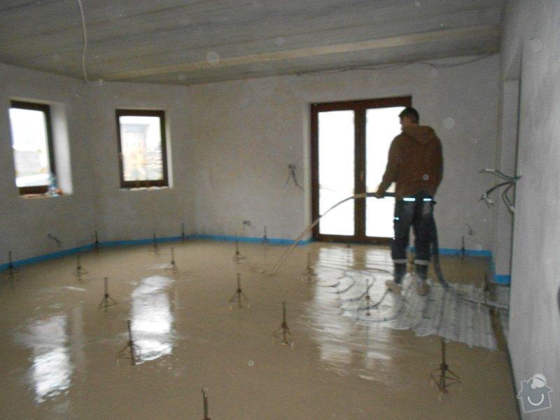 11/2012 RD Brodek u Prostějova, anhydritová podlaha  -  230 m2: DSCN8213