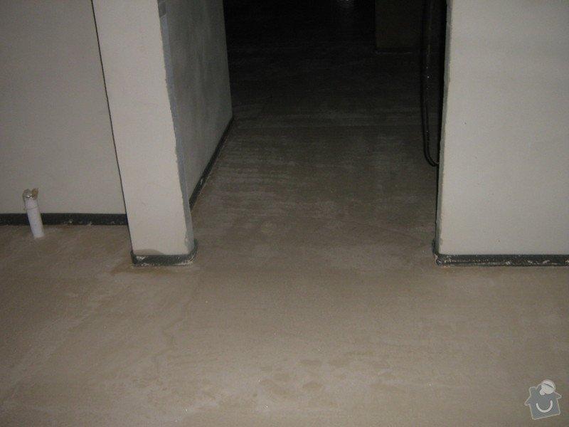 11/2012 RD Brodek u Prostějova, anhydritová podlaha  -  230 m2: IMG_8046
