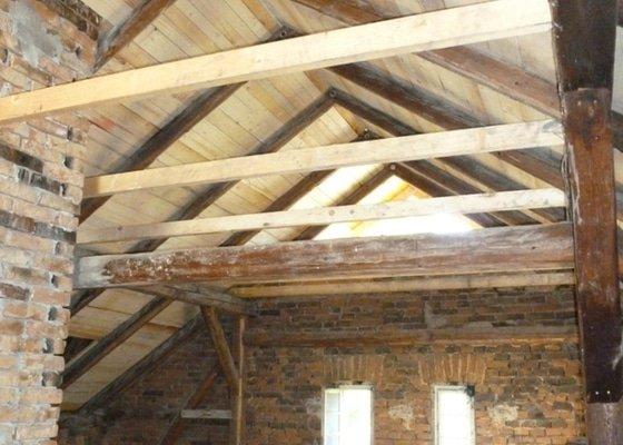 Oprava  krovu, pokládka krytiny Satjam