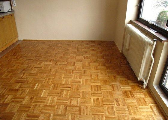 Renovace dřevěné podlahy a malování