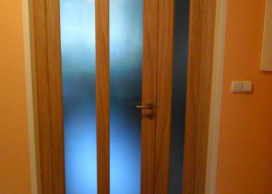 Masivní interiérové dveře včetně zárubně