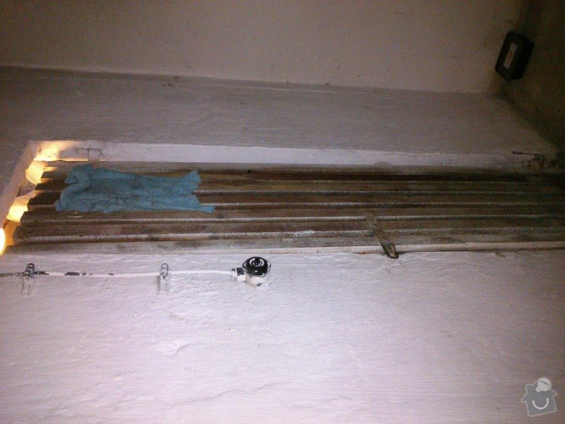 Nákup a instalace dveří do panelákové sklepní kóje: DSC_0160