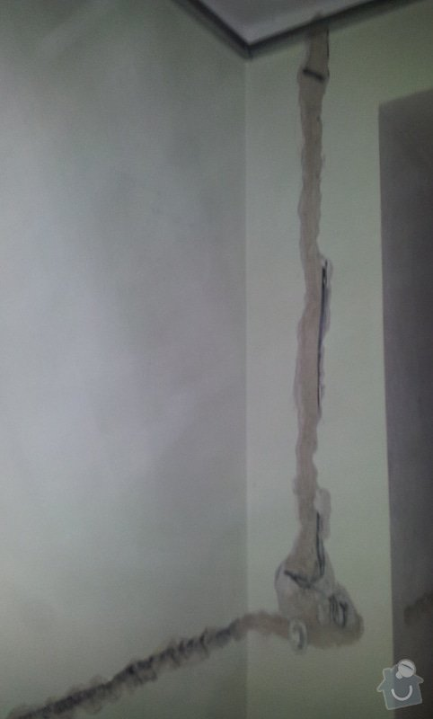 Oprava stropu a drobné úpravy elektro v bytě: 20130211_110117
