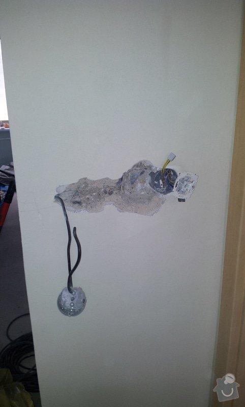 Oprava stropu a drobné úpravy elektro v bytě: 20130212_103918