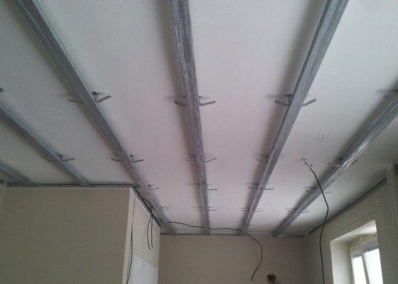 Oprava stropu a drobné úpravy elektro v bytě