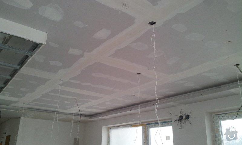 Podhled a světelné rampy v RD: 20130216_110111