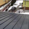 Montaz snehovych zachytavacu a oprava hromosvodu snehove zachyt.v pravo opravenej hromosvod