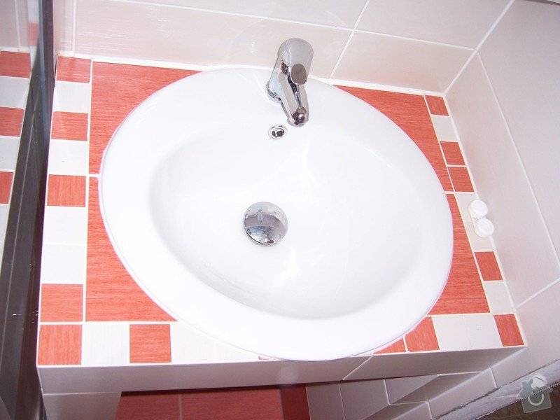 REKONSTRUKCE PANELOVÉHO BYTU : Koupelna_po_rekonstrukci_015