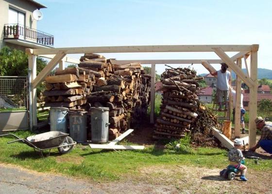 Dřevěná kůlna