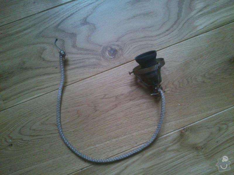 Výměna elektroinstalace ve starém lustru a těsnění u nádržky na WC: DSC_0012