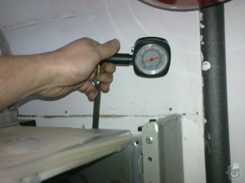 Oprava plynového kotle a regulace topení v podlaze: DSC00526