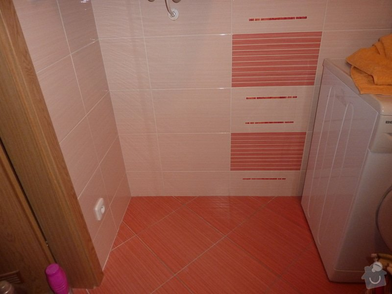 Truhlářské práce, koupelnový nábytek. 3 skříňky: P1060110