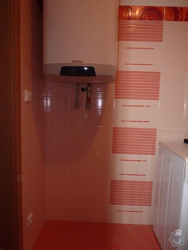 Truhlářské práce, koupelnový nábytek. 3 skříňky: P1060112
