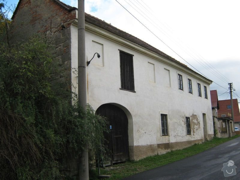Projekt rekonstrukce 150 let starého domu: Stavajici_dum_zvenci