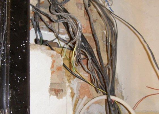 Rekonstrukce a přestavba bytu 3+1